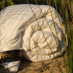 Mendip Silk filled quilts